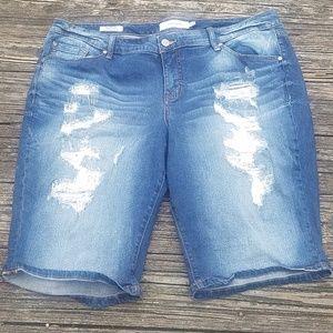 Torrid distressed shorts. Plus Size 20